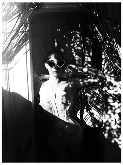 MARA DESYPRI WEARS BURBERRY BY FILEP MOTWARY 1